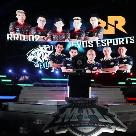 Jinakkan EVOS, RRQ Melaju ke Grand Final MPL Season 2