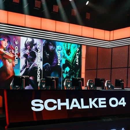 Alami Krisis Finansial, Schalke 04 Jual Slot di LEC 459 Miliar!