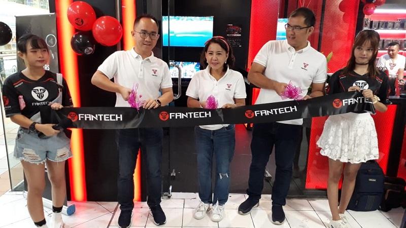 Resmikan Store Pertamanya di Indonesia, Fantech Siap Dukung Esports Lokal