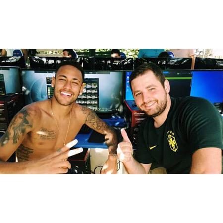 Unjuk Skill, Neymar Berbakat Jadi Pro-Player CS:GO?