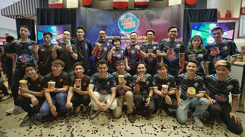 Lewat RRQ & EVOS, Pop Mie Dukung Tumbuh Kembang Esports Indonesia!