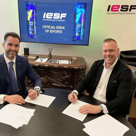 Minuman Energi Buatan IESF Diyakini Bisa Tingkatkan Skill Atlet Esports