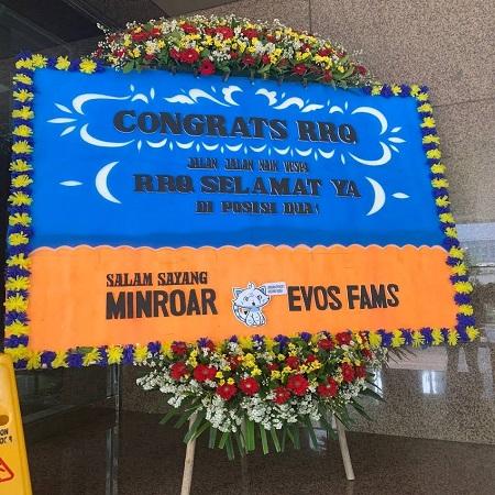 Kirim Papan Bunga, Gestur Persahabatan EVOS Fams Untuk Lawan MPL S8