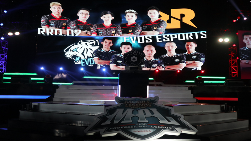 Jinakkan EVOS, RRQ Melaju ke Grand Final MPL Season 2