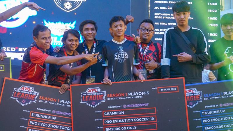 Momentum Kemenangan Bawa Rizky Juarai Axis PES League Season 1