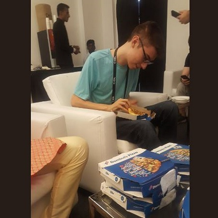 Pizza Party ala EternalEnvy Tuai Kecaman Komunitas