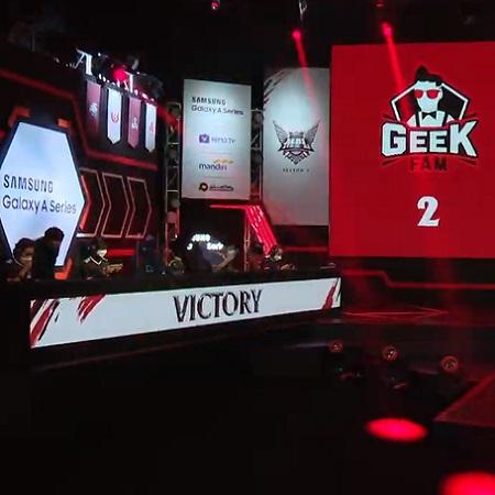 Kejutan! Geek Fam Kalahkan EVOS di Week 2 MPL Season 7