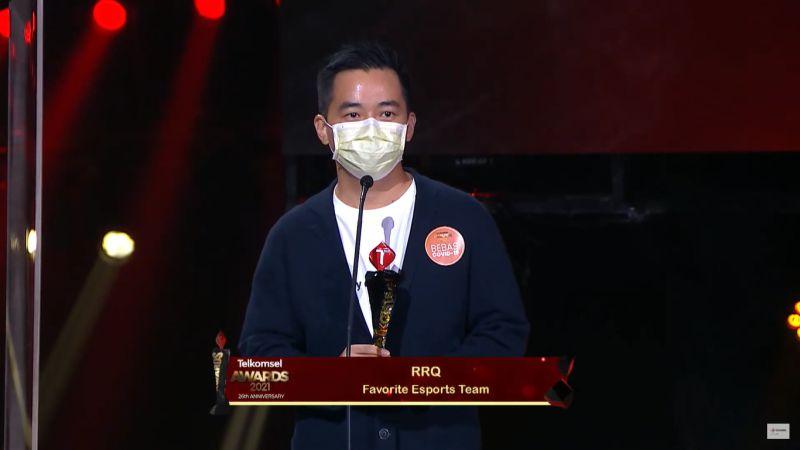Team RRQ Raih Gelar Tim Esports Favorit di Telkomsel Awards 2021
