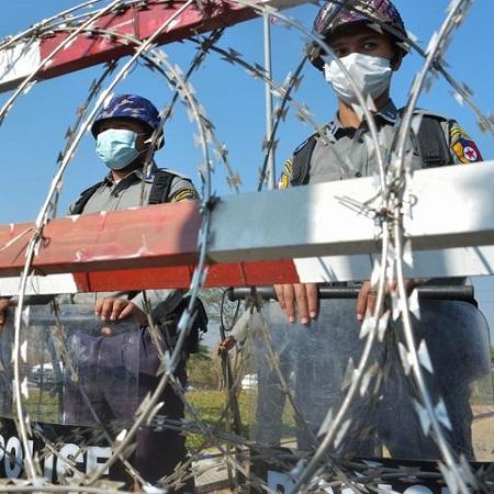 """Pulang ke Myanmar, Burmese Ghouls """"Disambut"""" Kudeta Militer"""